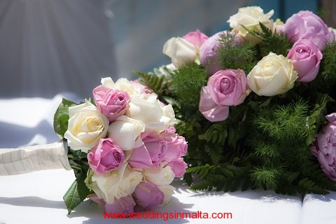 malta-wedding-ceremony-flowers-15