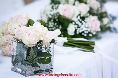 malta-wedding-ceremony-flowers-18