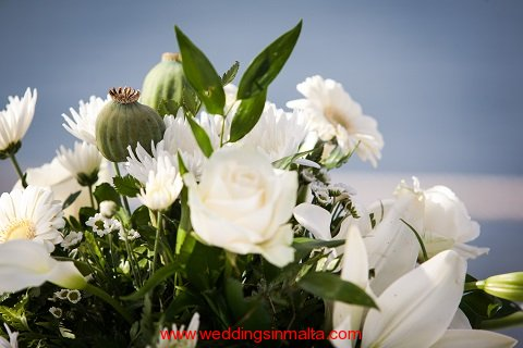 malta-wedding-ceremony-flowers-23