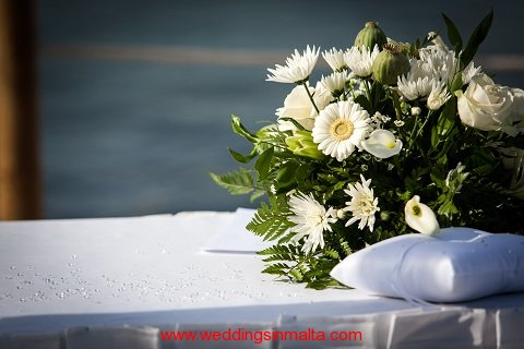 malta-wedding-ceremony-flowers-24