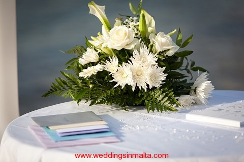 malta-wedding-ceremony-flowers-25