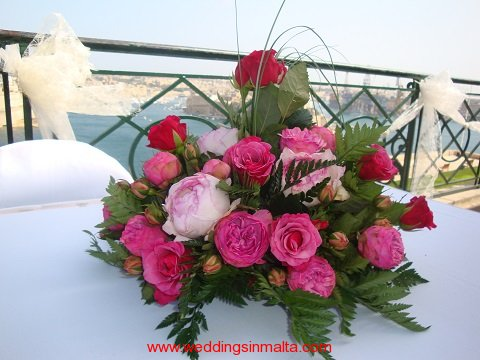 malta-wedding-ceremony-flowers-36