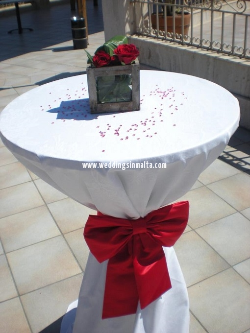 Malta Wedding Table Centrepieces (40)
