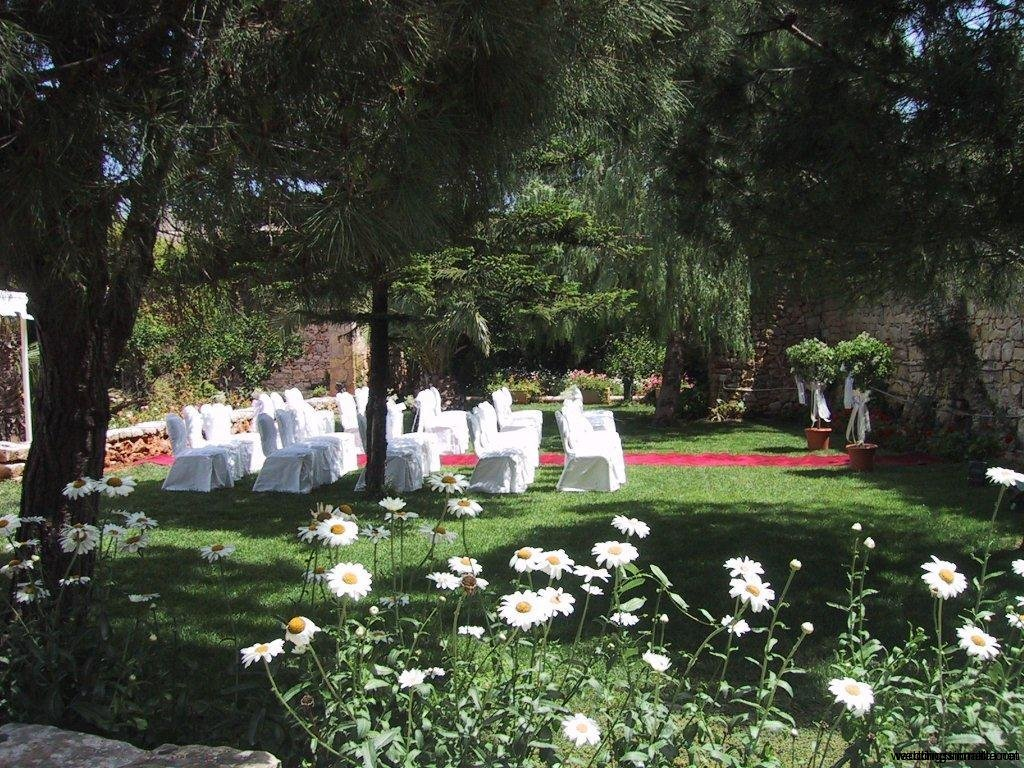 Weddings in Malta - Secret garden weddings