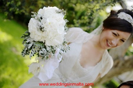 weddings-in-malta-bouquet-17