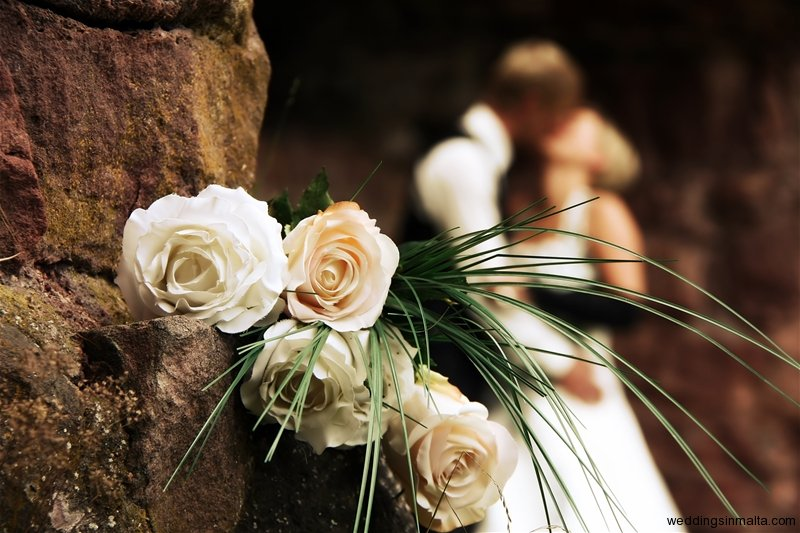 Wedding in a castle with romantic white roses