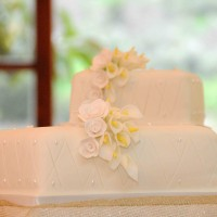 2 Tier Malta Wedding Cake